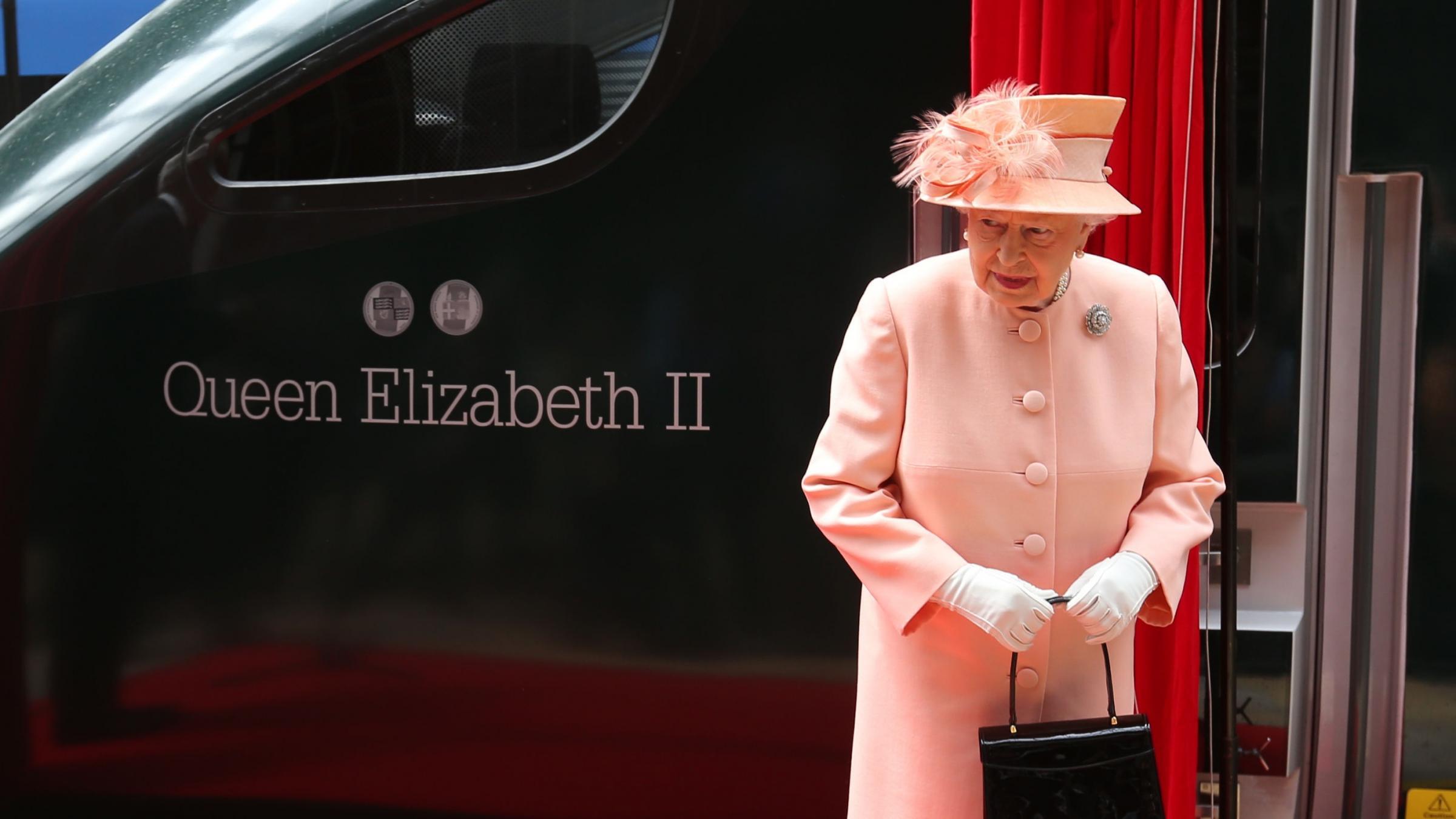 Queen recreates historic train journey